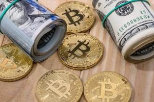 Bitcoin и доллары
