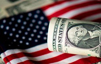 Флаг и доллар США